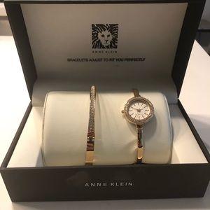 Rose gold watch/bracelet set